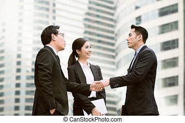 uzgodnienie, pojęcie, agreement., do góry, biznesmeni, meeting., zrobienie, ostatni