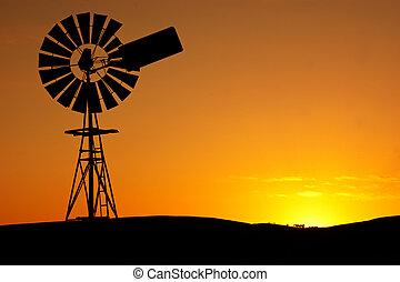 wiatrak, zachód słońca