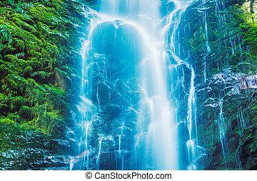 wodospad, piękny