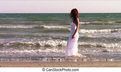wybrzeże, kobieta, miedzianowłosy