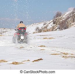 wyrzucanie, quad, śnieg