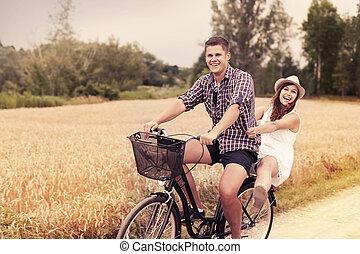 zabawa, jeżdżenie, para, rower, mieć