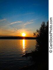 zachód słońca, jezioro, krajobraz
