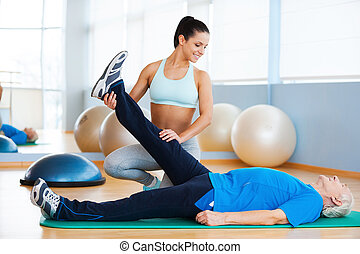 zaufany, fizyczny, pracujący, klub, terapeuta, zdrowie, samica, człowiek, physiotherapy., senior