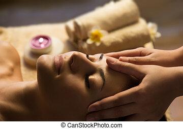 zdrój, twarzowy masaż