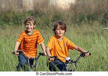zdrowy, dzieciaki, interpretacja, rowery