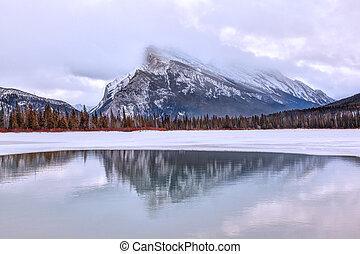 zima, banff, kanadyjczyk, krajowy, rockies, park, jeziora, vermilion, rano, przeziębienie